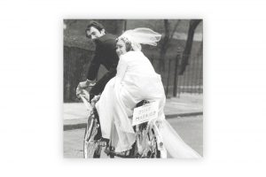 just-married-bicycle-greeting-card