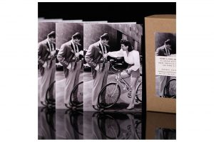 hollywood-rides-a-bike-clark-gable-and-joan-crawford-bicycle-greeting-cards