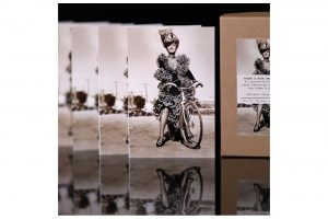 hollywood-rides-a-bike-marlene-dietrich-bicycle-greeting-cards