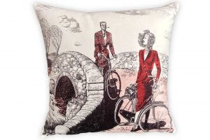 cyclemiles-vintage-couple-bicycle-cushion
