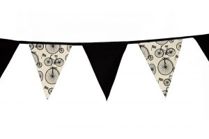 cest-ca-le-tour-bicycle-bunting