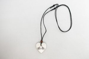 ceramic-heart-bicycle-necklace
