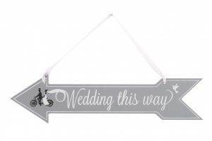 wedding-this-way-bicycle-wooden-sign