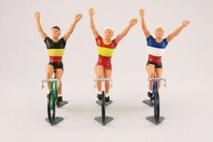 fonderie-roger-vintage-model-racing-cyclist-vainqueur