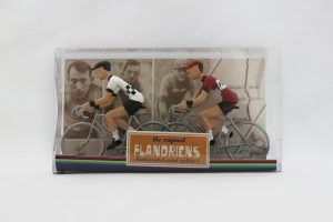 flandriens-model-racing-cyclists-peugeot-and-flandria