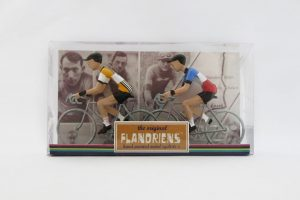 flandriens-model-racing-cyclists-renault-and-france