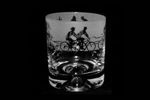 cycling-scene-glass-tumbler