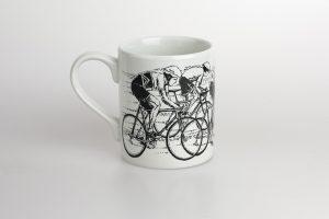sprint-finish-bicycle-mug